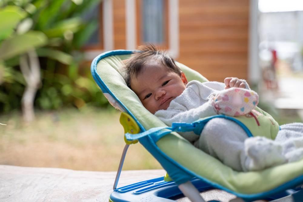 bahaya penggunaan baby bouncer perlu diwaspadai