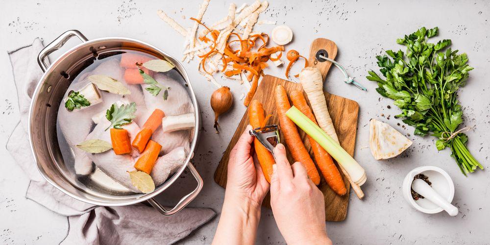 Sup ayam salah satu makanan yang dianjurkan untuk batuk karena membantu mengencerkan dahak