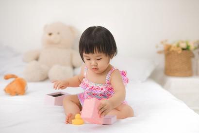 Kemampuan sensori bayi 9 bulan mengalami perkembangan