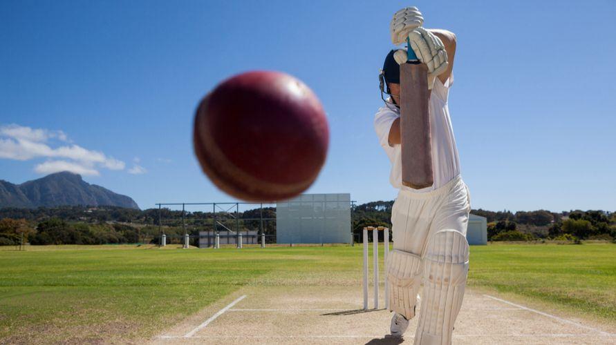 Permainan bola cricket adalah salah satu permainan bola kecil