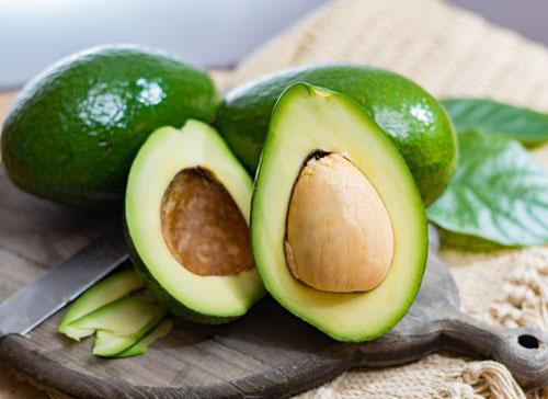 SUmber vitamin E bisa didapatkan dari buah alpukat