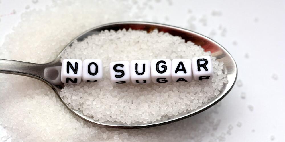 Cara membakar lemak perut adalah menghindari makanan manis dan gula tambahan
