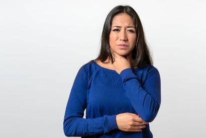 Ciri-ciri amandel meradang adalah sakit saat menelan
