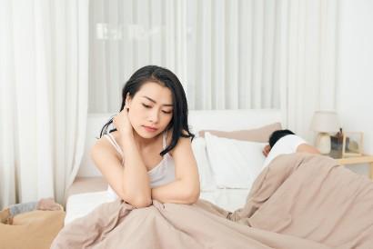 Sulit terangsang merupakan tanda disfungsi seksual pada wanita