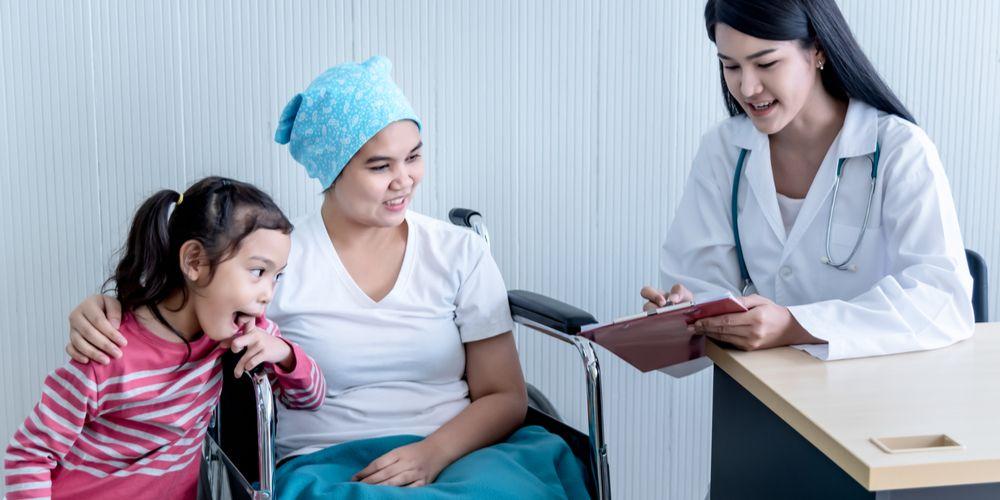 Dokter spesialis onkologi bisa menangani berbagai jenis kanker