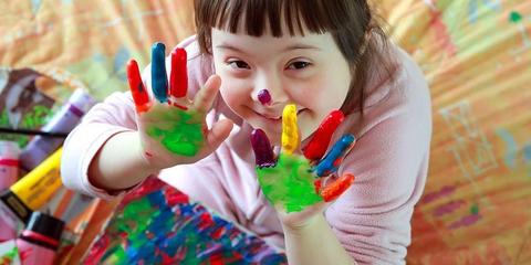 Pusat tumbuh kembang anak Eka Hospital memiliki layanan untuk anak down syndrome