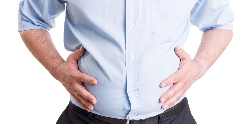 Perut kembung dan sembelit merupakan efek samping kacang almond jika dikonsumsi berlebihan