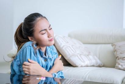 Salah satu efek samping tramadol adalah menggigil