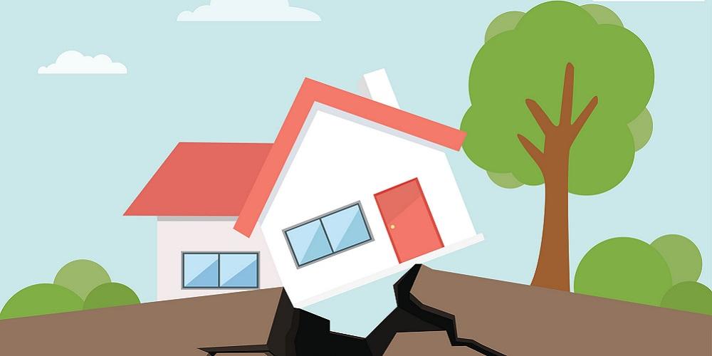 Cara menghadapi gempa bumi saat sedang di rumah