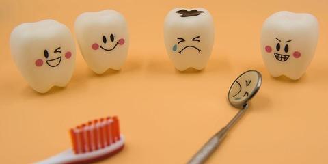 Penyebab sakit gigi pada anak antara lain gigi berlubang, abses gusi, dan radang gusi