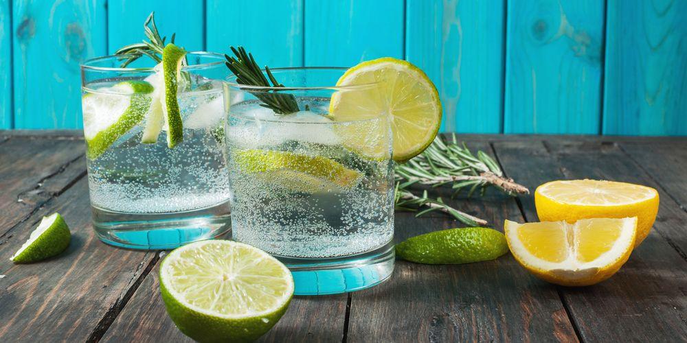 Gin minuman beralkohol dengan kadar alkhol 35-55%