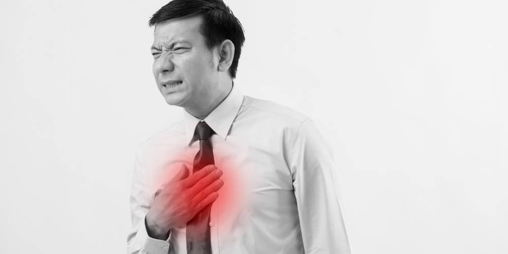 pria mengalami hearburn