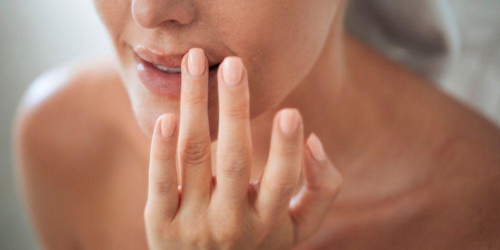 Cara membuat scrub bibir yang maksimal harus diiringi dengan penggunaan yang tepat