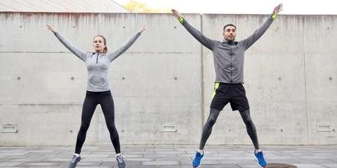 Contoh body weight training jumping jacks