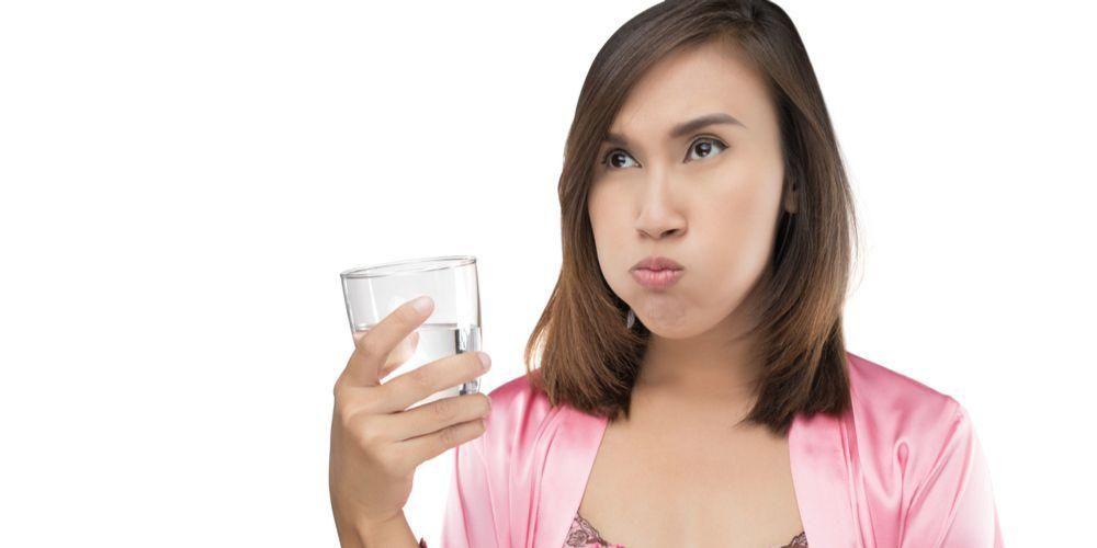Kumur air garam sebagai obat gusi bengkak alami