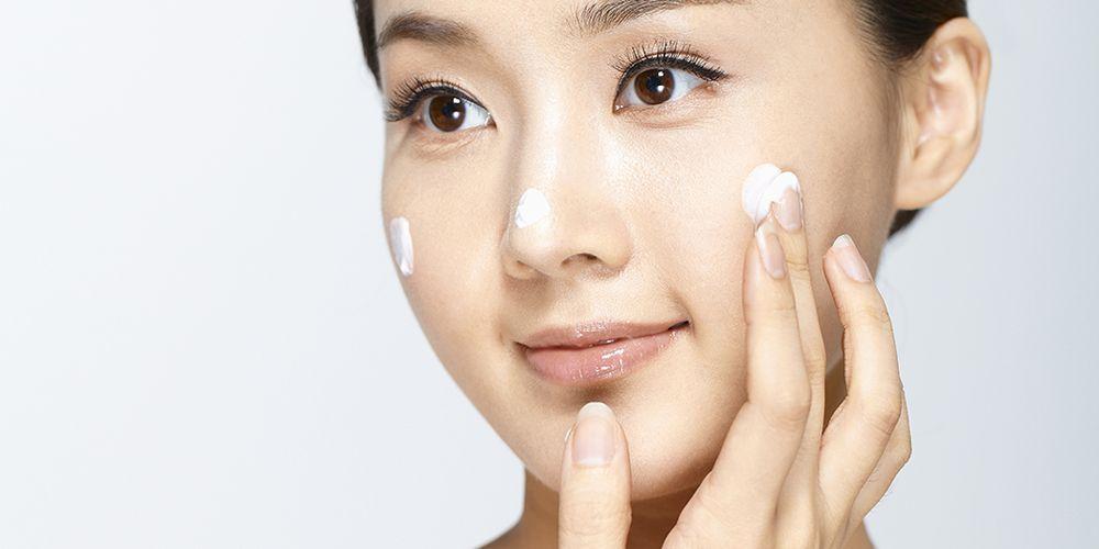 Jenis kulit wajah kombinasi adalah perpaduan kulit berminyak dan kering