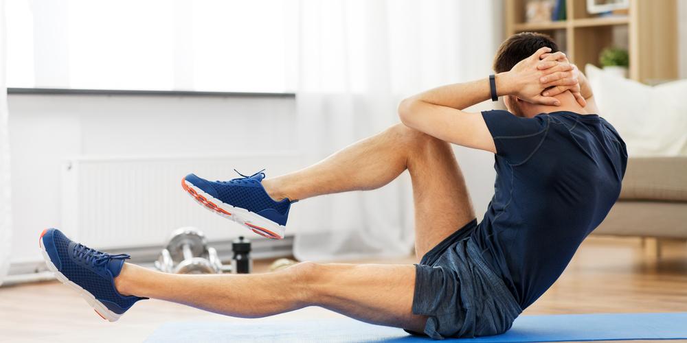 Olahraga untuk mengecilkan perut dan paha crunches