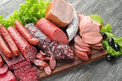 Hindari makanan penyebab inflamasi seperti sosis