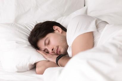 Manfaat kacang almond salah satunya adalah membantu tidur lebih nyenyak