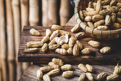 Manfaat kacang tanah untuk diet bisa didapatkan jika Anda merebusnya terlebih dahulu