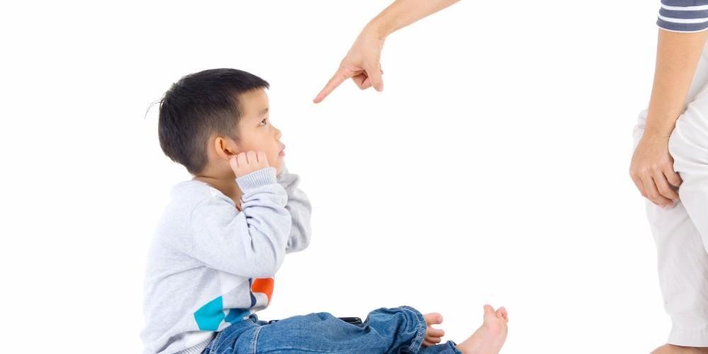 anak dihukum oleh orangtua
