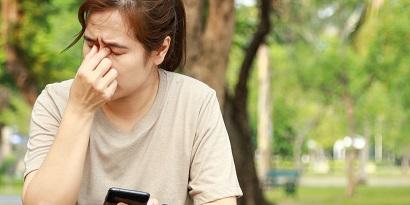 Mata terasa sakit atau sering lelah adalah salah satu ciri-ciri mata minus