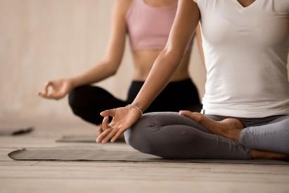 Cara mengatasi emosi tidak stabil adalah dengan meditasi