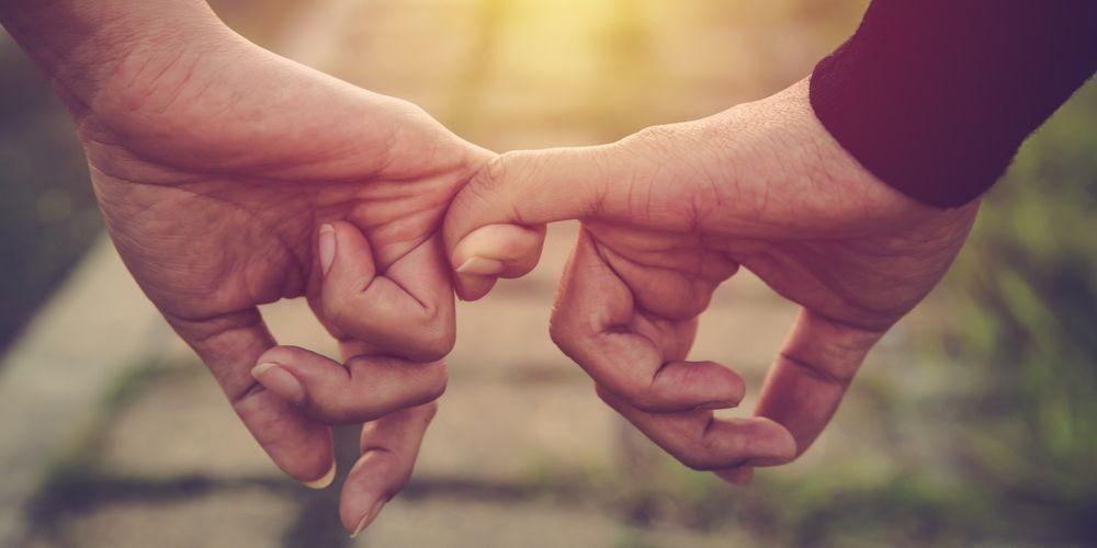 Cara meminta maaf kepada pacar harus disertai dengan perubahan tindakan