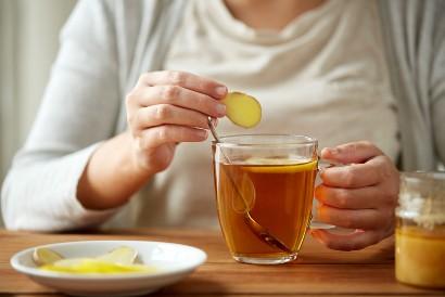 Minum jahe dapat mengatasi perut begah setelah makan