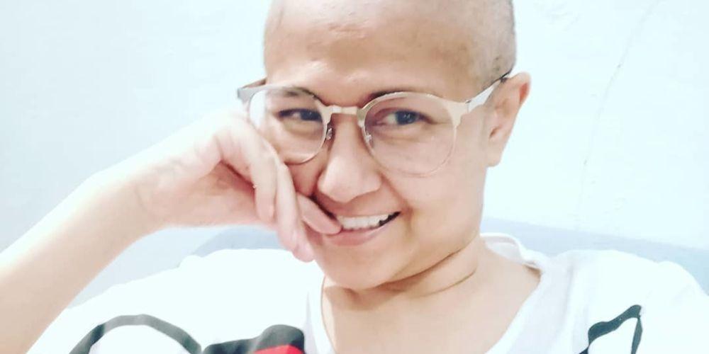 Ria irawan saat menjalani kemoterapi untuk kankernya