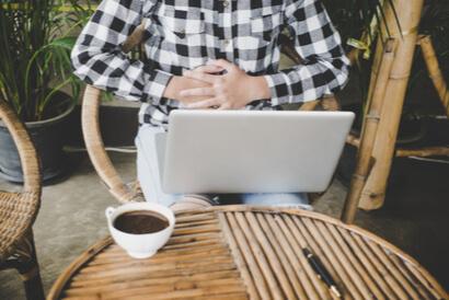 Minum kopi saat perut kosong dapat menyebabkan mulas