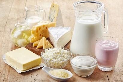 Salah satu makanan yang mengandung fosfor adalah produk susu