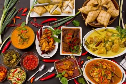 Opor ayam selalu jadi hidangan khas Lebaran