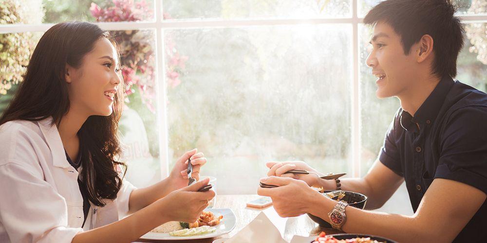 Manfaat mengucapkan terima kasih adalah mempererat hubungan dengan pasangan