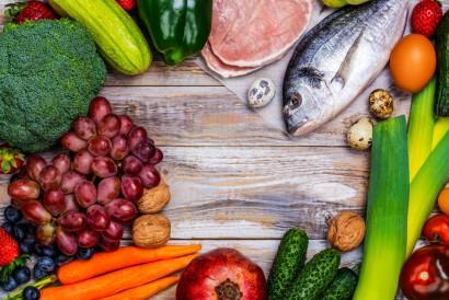 Pegan diet menggabungkan diet paleo dan vegan