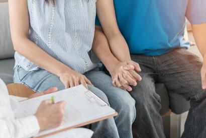 Penderita tokophobia dapat meminta bantuan ahli untuk mengatasi ketakutannya
