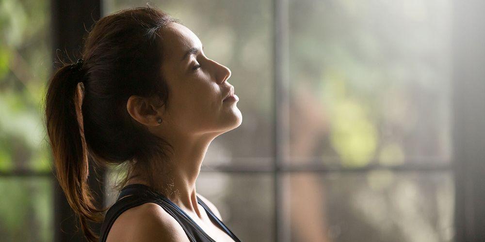 Savasana yoga akan membuat tubuh menjadi lebih rileks