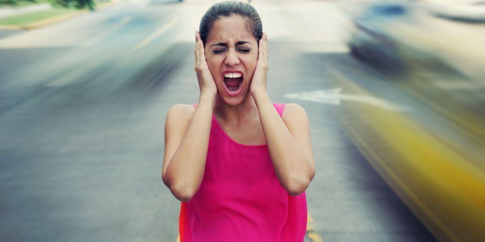 Pencemaran suara adalah salah satu contoh pencemaran lingkungan