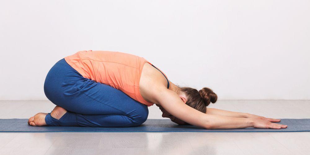 Gerakan untuk memperlancar BAB adalah dengan melakukan child's pose yoga