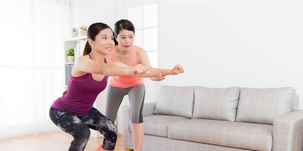 Gerakan squat bisa untuk latihan otot kaki
