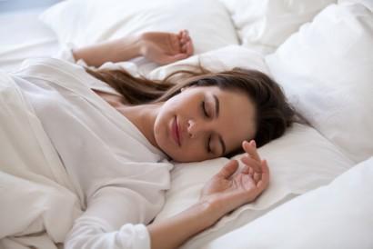 Telentang merupakan posisi tidur yang baik untuk pernapasan