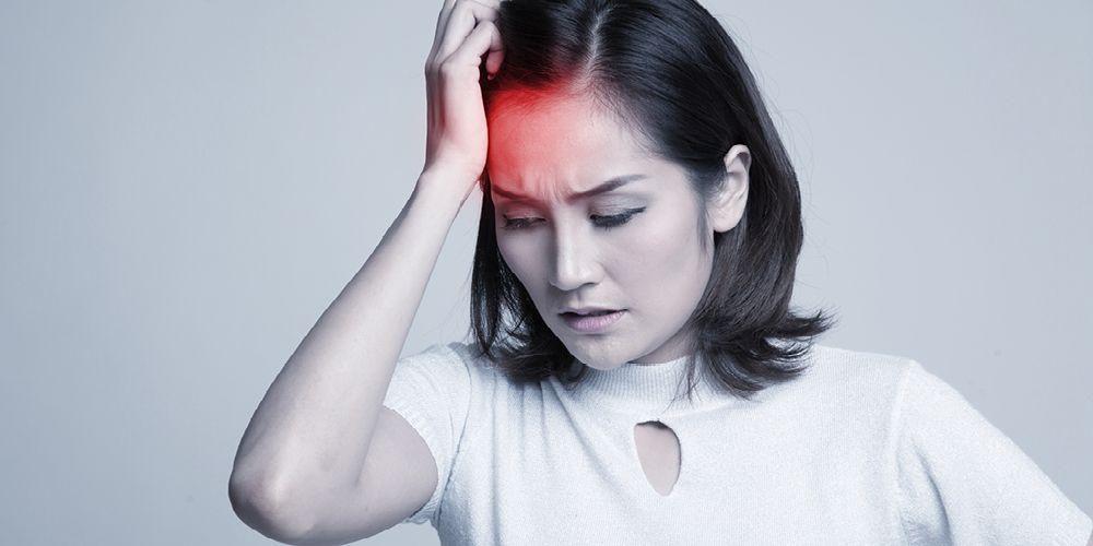 Kepala kliyengan bisa disebabkan oleh penurunan tekanan darah sementara