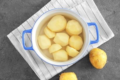 Resep corndog kentang akan menghasilkan tekstur adonan yang lebih lembut