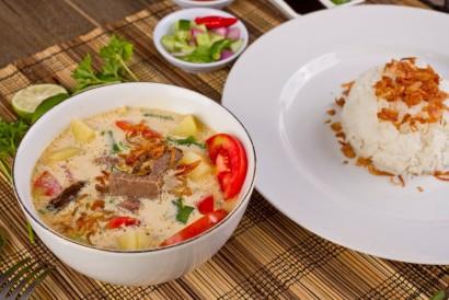 Resep empal gentong Cirebon dengan kuah santan