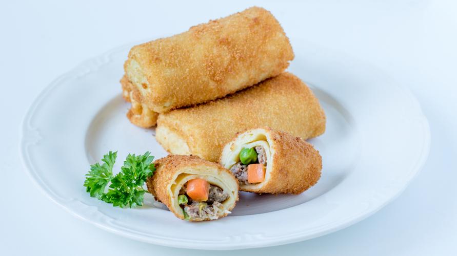 Selain sayur, risoles bisa ditambahkan ayam untuk menambah rasa