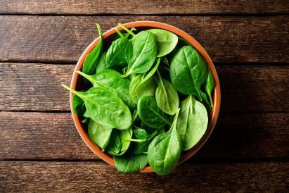 Konsumsi sayur bayam bisa mencegah wajah kusam saat hamil