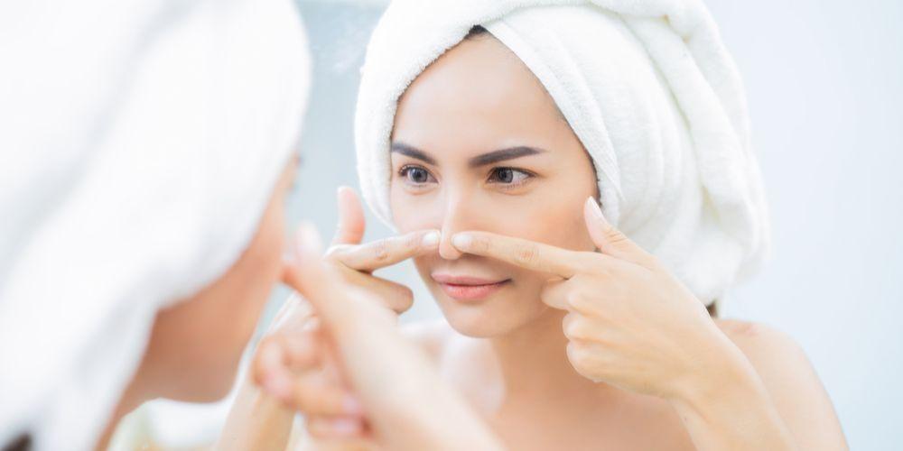 Cara memakai pore pack adalah dengan menempelkannya pada area hidung