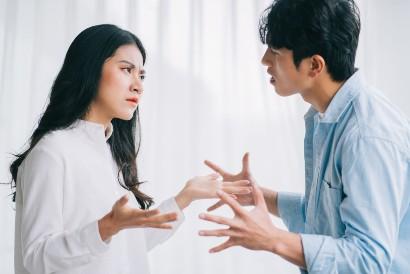 Stonewalling dilakukan untuk menghindari konflik dengan pasangan