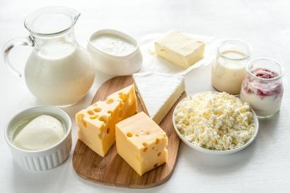 Sumber mineral kalsium bisa didapatkan dari susu dan produk turunannya