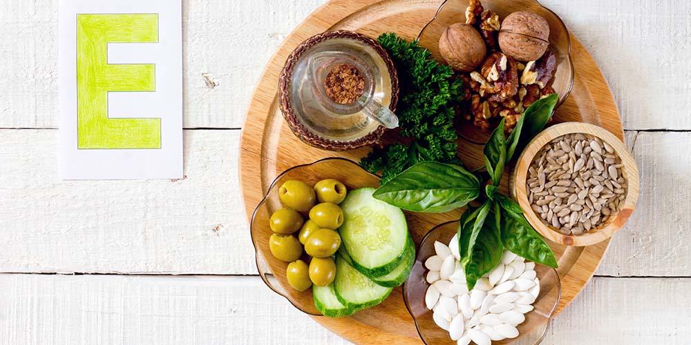 Makanan yang mengandung vitamin E bagus untuk atasi rambut rontok